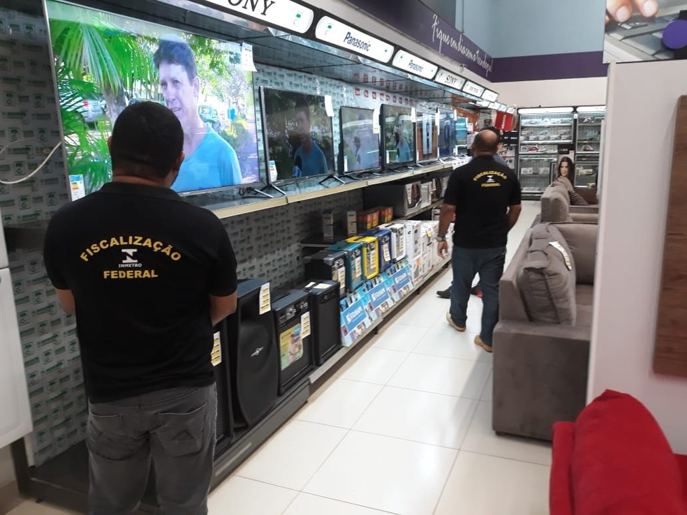 -  Instituto de Pesos e Medidas fiscaliza produtos mais vendidos no período da copa  Foto: Ipem/Divulgação