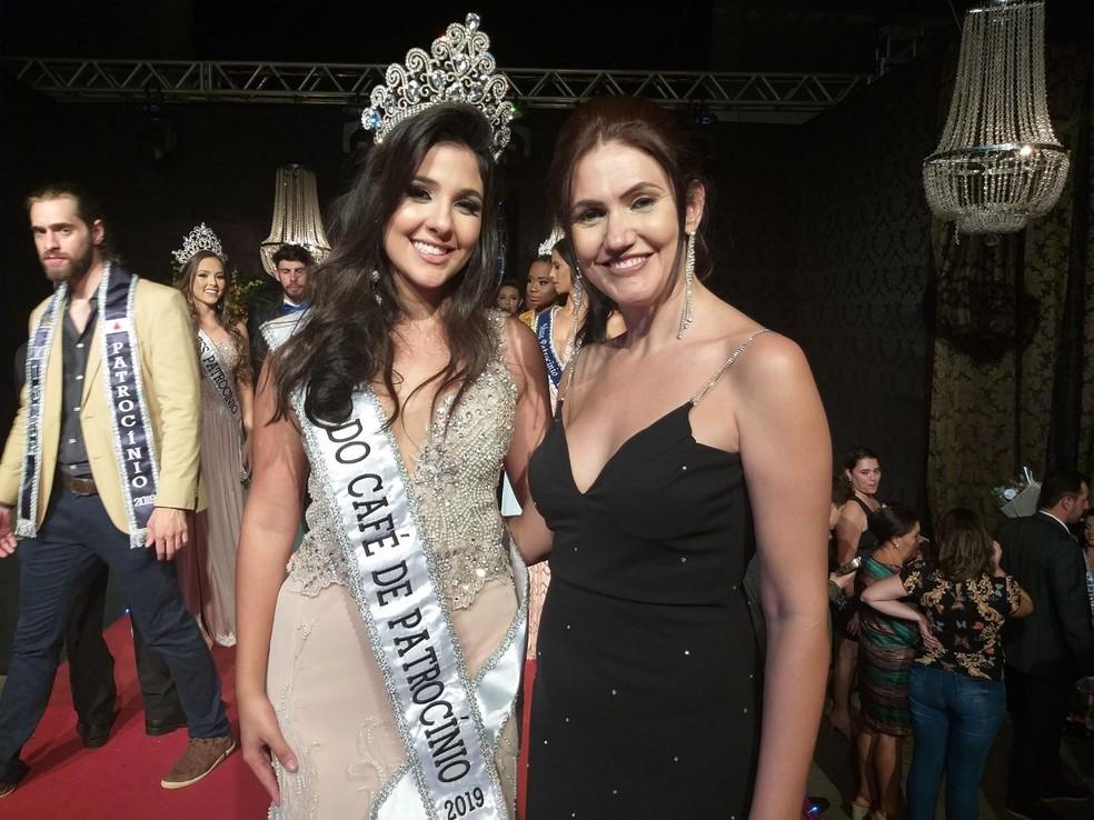 Amanda Martins é eleita a Rainha Nacional do Café de Patrocínio — Foto: Vanessa Pires/G1