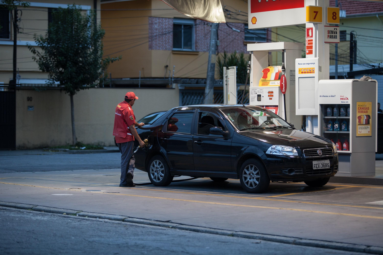 Preços dos combustíveis sobem nos postos na semana, diz ANP - Notícias - Plantão Diário