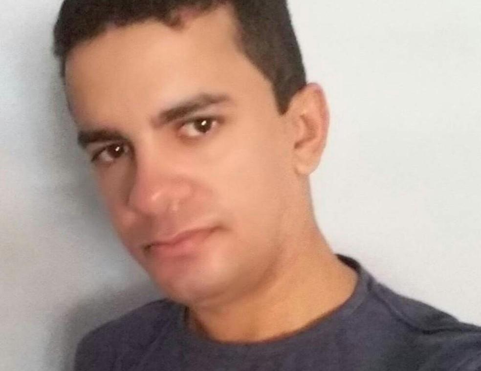 Soldado do Corpo de Bombeiros, Alberto Aroldo Rodrigues, foi baleado na cabeça em São Gonçalo do Amarante (Foto: Arquivo pessoal )