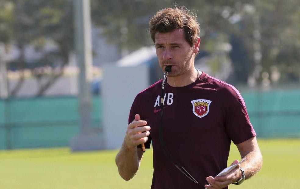 André Villas-Boas acusou o Guangzhou Evergrande de influenciar o trânsito e a arbitragem (Foto: Sina.com)