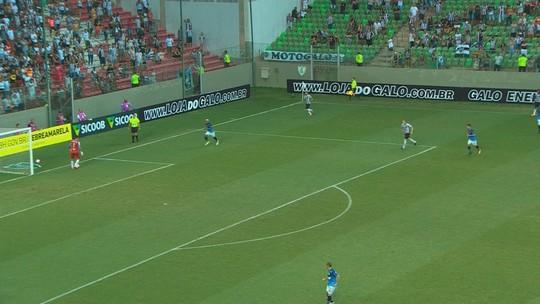 Estilo Pep: a pedido de Thiago Larghi, Galo evita chutões em saída de bola