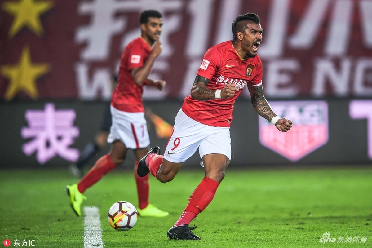 Guangzhou exerce opção de compra por Paulinho d9a7e001e4f49