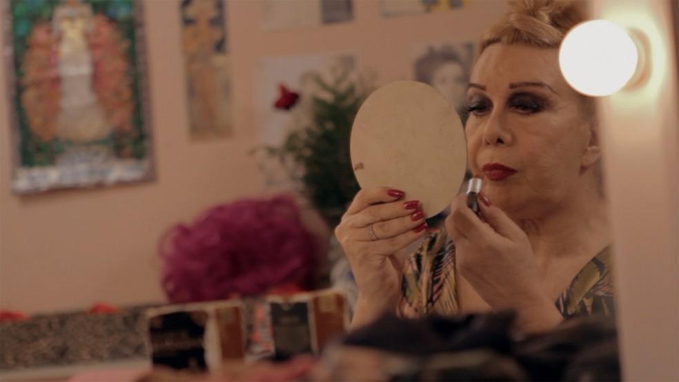 Documentário Divinas Divas, de Leandra Leal, traz depoimentos de artistas como Rogéria  (Foto: Reprodução/Divinas Divas)