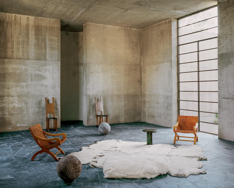 Casa en México con interiores de concreto e interesantes vistas a la montaña (Foto: Tom de Beirte)