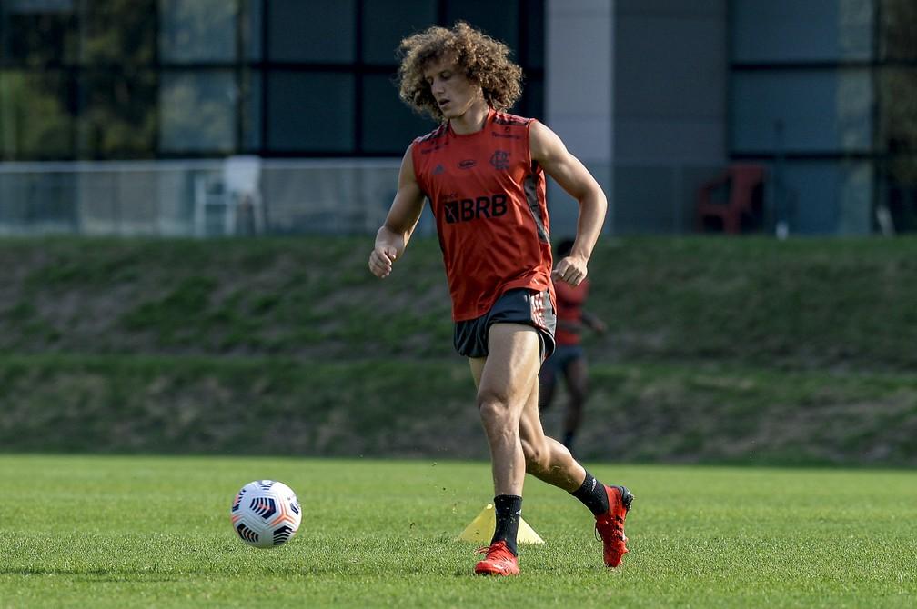 David Luiz impressiona Renato com bons números e jogo-treino