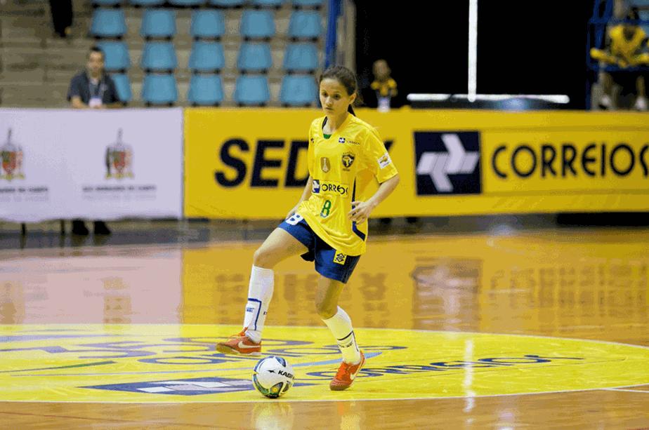 3e12b76bb7d9d ... Brasileira é eleita melhor jogadora de futsal do mundo pela quarta vez  consecutiva