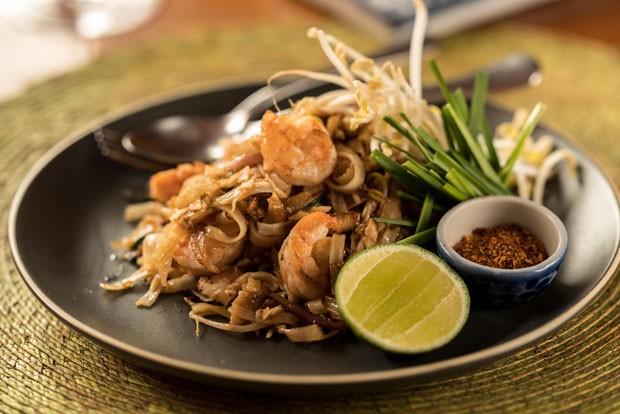Pad thai: receita do autêntico macarrão frito tailandês (Foto: Henrique Peron/Divulgação)