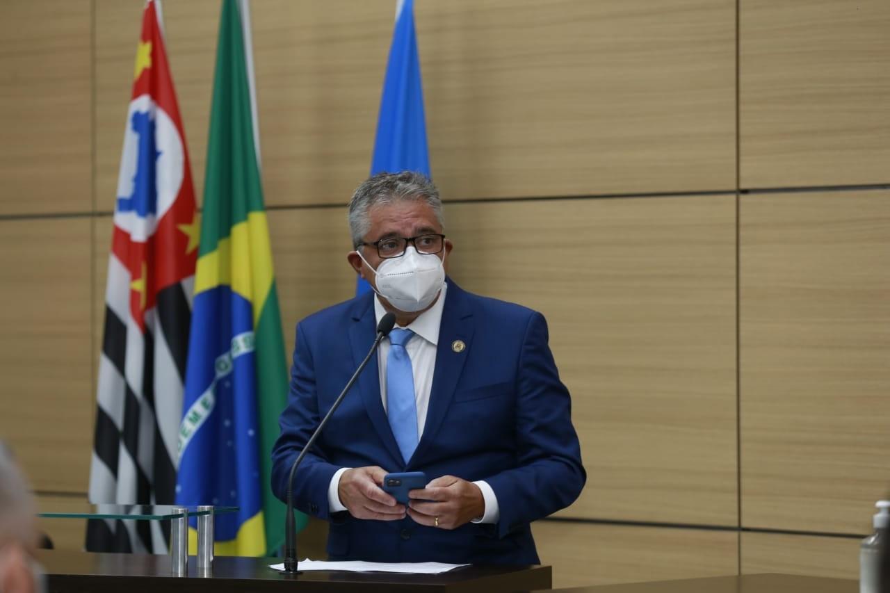 Justiça concede liberdade provisória a prefeito de Guarujá, suspeito de comandar organização que desviou dinheiro da saúde