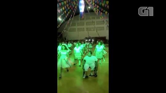 Com noivo cadeirante e 87 mulheres, quadrilha junina celebra diferenças no interior potiguar