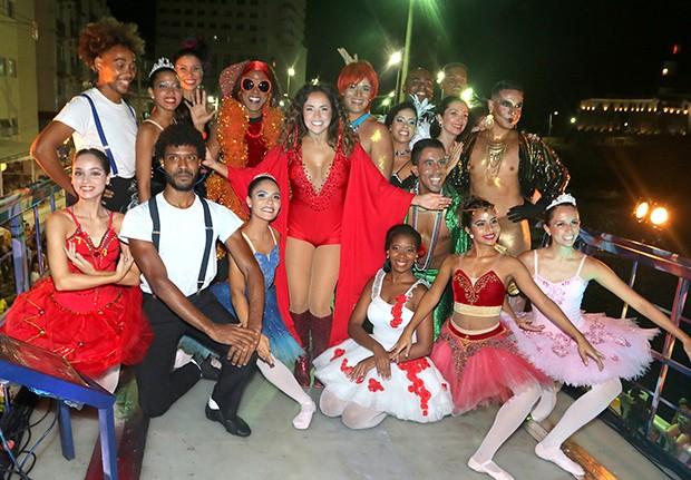 Daniela Mercury e bailarinos (Foto: Thiago Duran/AgNews)