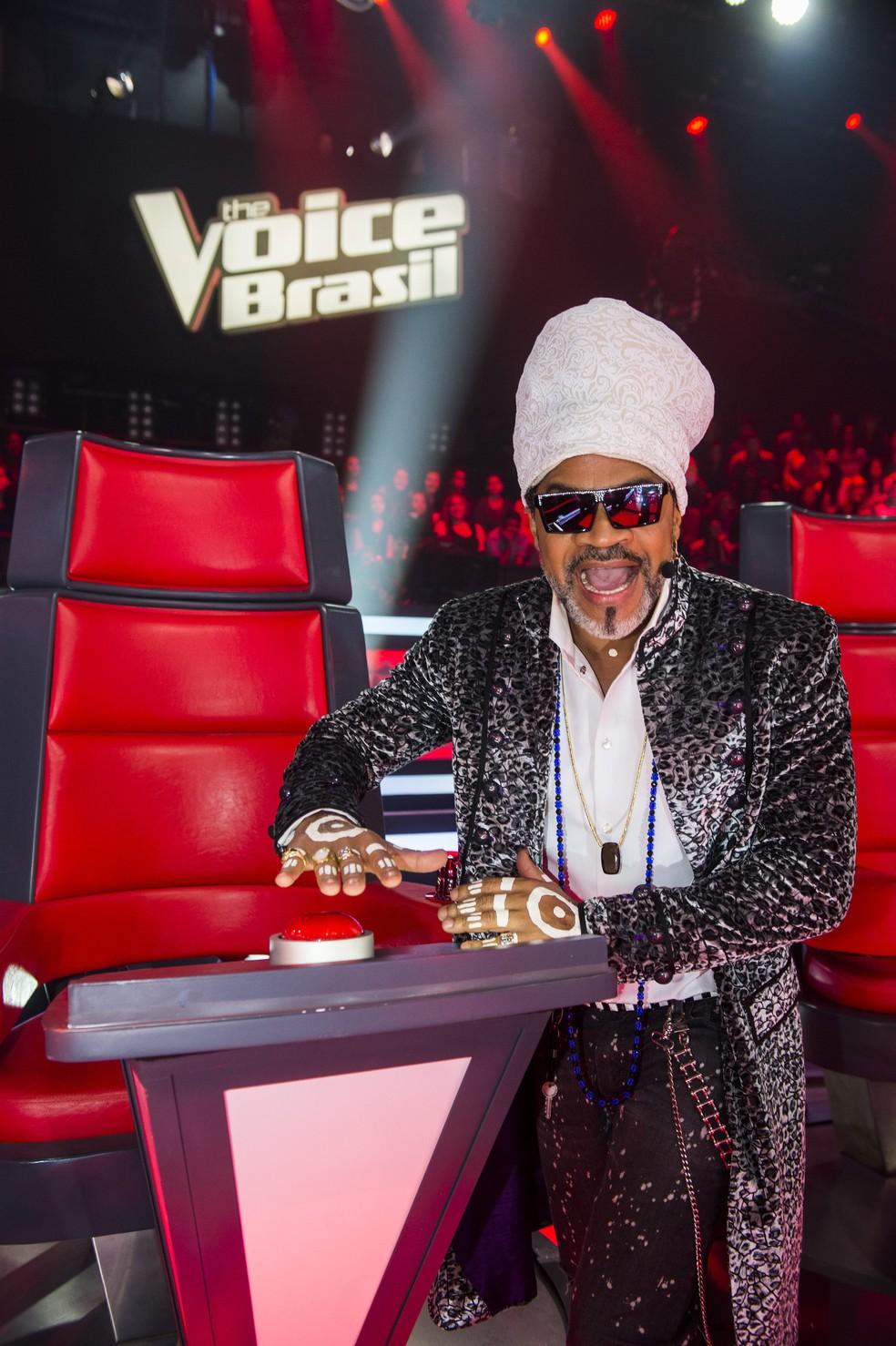 Carlinhos Brown na cadeira do The Voice Brasil — Foto: Isabella Pinheiro/Gshow