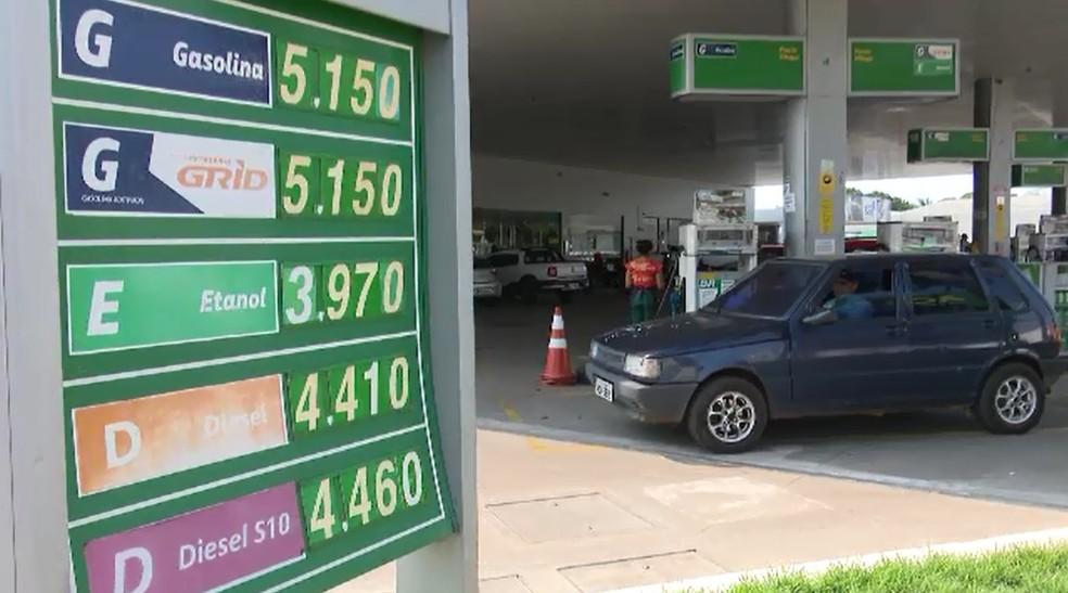 Gasolina está sendo vendida acima de R$ 5 em postos de Rio Branco — Foto: Reprodução/Rede Amazônica Acre