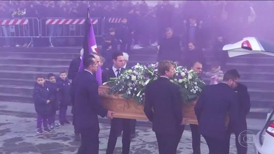 Fiorentina faz mais uma homenagem a Davide Astori