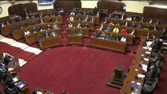 Congresso do Peru discute impeachment do presidente