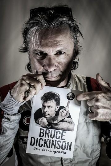 Bruce Dickinson e sua autobiografia (Foto: Rodrigo Buldrini)