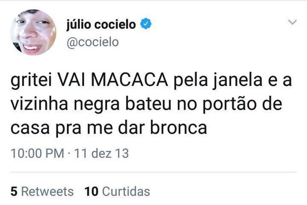 Julio Cocielo: alguns dos tuítes racistas publicados pelo youtuber (Foto: Reprodução)