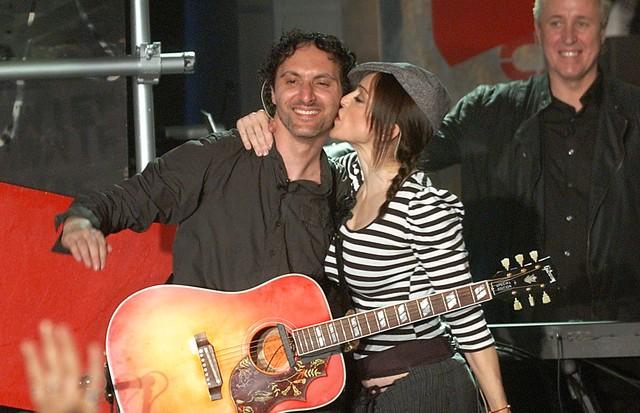 """Mirwais e Madonna em 2003, na época do lançamento de """"American Life"""". (Foto: Getty Images)"""