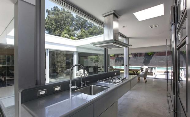 Ator de 'Cinquenta tons de cinza' coloca casa à venda por R$12,9 milhões (Foto: Divulgação / The Agency )