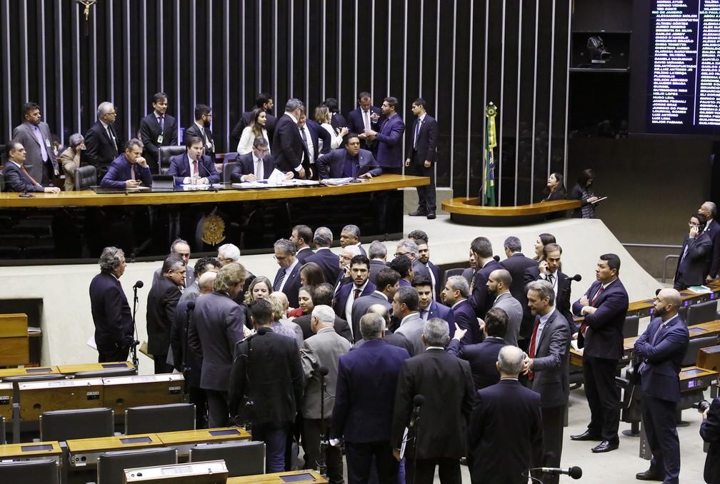 Plenário da Câmara na sessão que deu início à discussão no plenário da reforma da Previdência — Foto: Pablo Valadares/Câmara dos Deputados