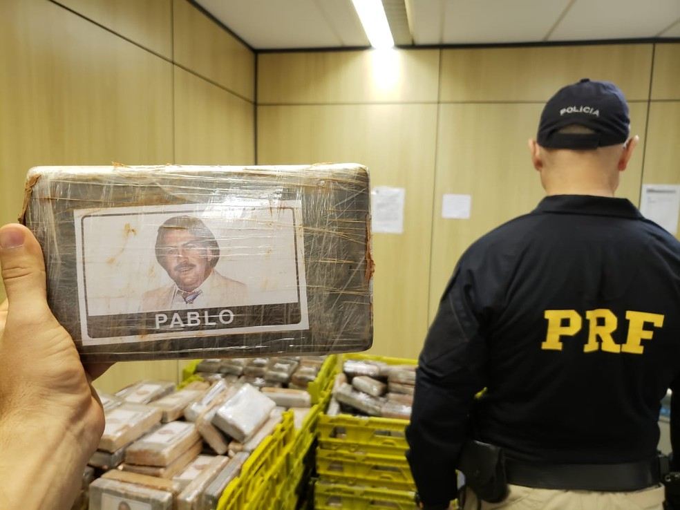 Tabletes têm foto de Pablo Escobar, um dos maiores traficantes do mundo (Foto: Divulgação/PRF)