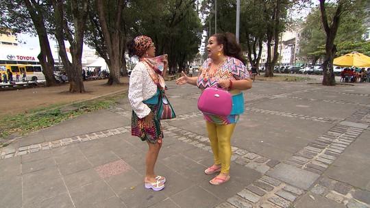 No segundo episódio de 'A Saga de Marizete', ela pensa em como juntar dinheiro pra casar