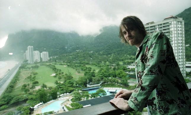 Vocalista do Nirvana recebeu equipe do GLOBO na suíte de seu hotel no Rio, em 1993
