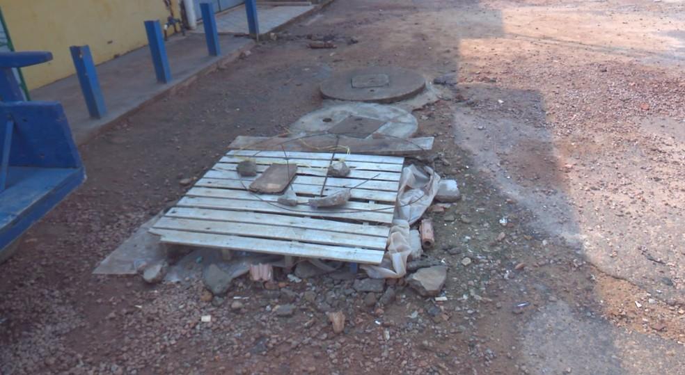 -  MPF notificou prefeitura para fazer reparos na fossa séptica próxima ao Porto Oficial  Foto: Rede Amazônica/Reprodução