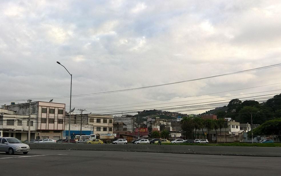 -  Céu parcialmente nublado em Juiz de Fora no bairro Manoel Honório.  Foto: Roberta Oliveira/ G1