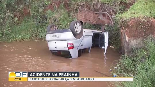 Motorista faz manobra errada e joga carro no Lago Paranoá