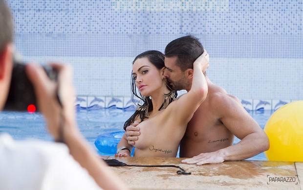 Laura Keller e Jorge Sousa posam para o Paparazzo (Foto: Anderson Barros / Paparazzo)
