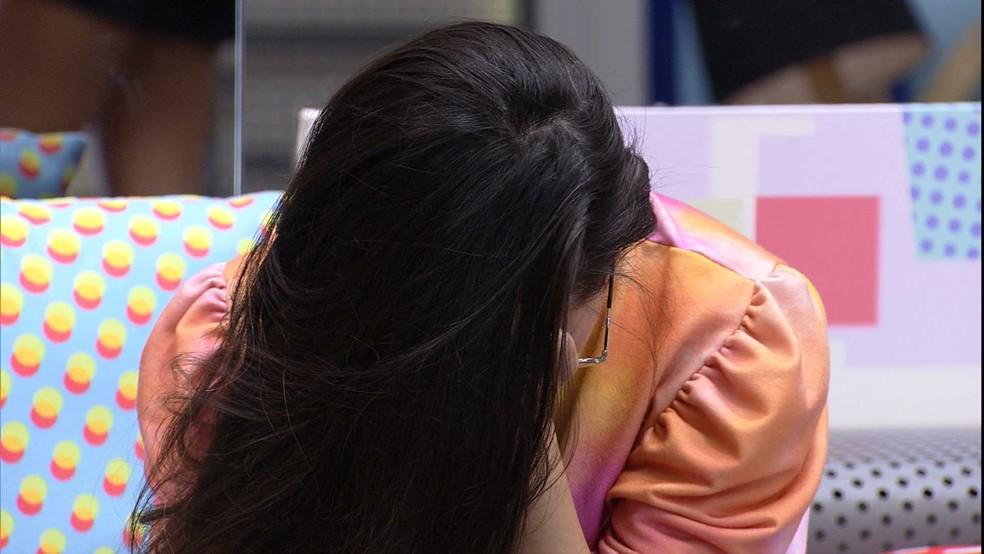 Após Presente do Anjo João Luiz, Juliette chora e desabafa: 'Queria tanto ver a minha família' — Foto: Minuto a Minuto - BBB