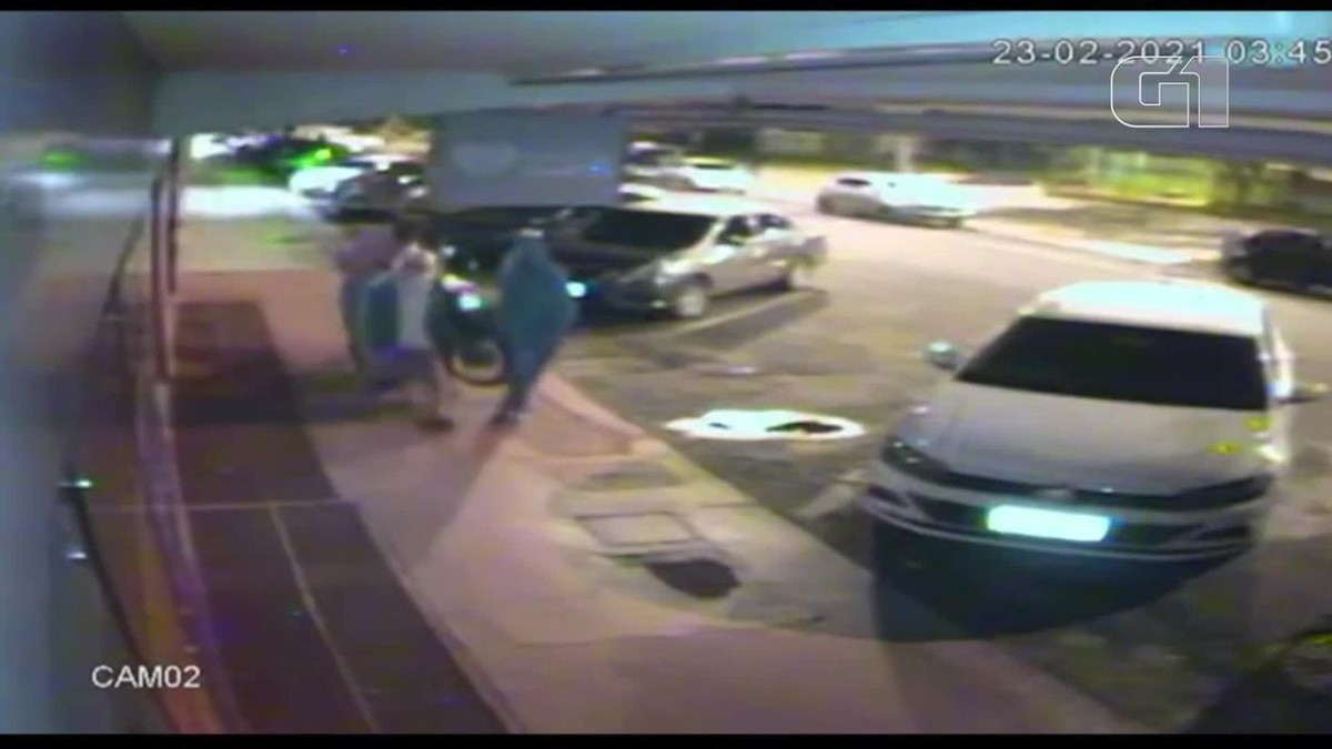 PM recupera moto carregada nos braços por 4 ladrões no Riacho Fundo, no DF