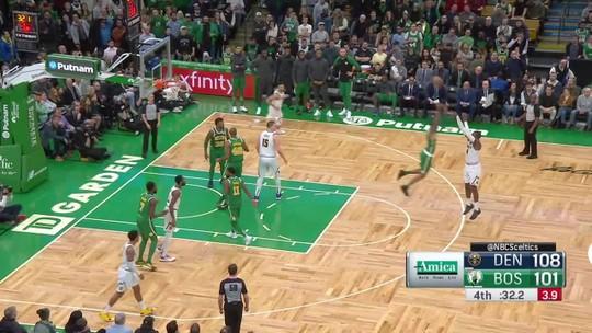 Em noite de homenagens a Isaiah Thomas, Nuggets batem os Celtics no TD Garden e vão aos playoffs