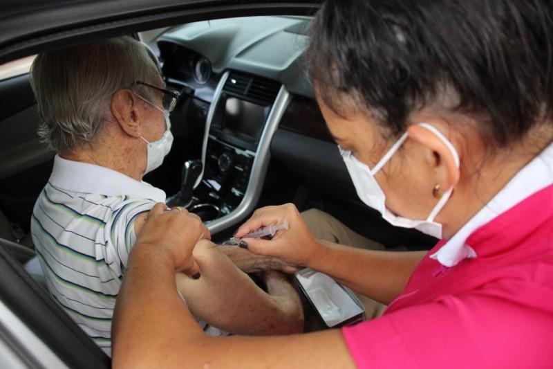 Vacinação contra a Covid-19: cadastro para pessoas de 59 anos com comorbidades será aberto neste sábado em Divinópolis