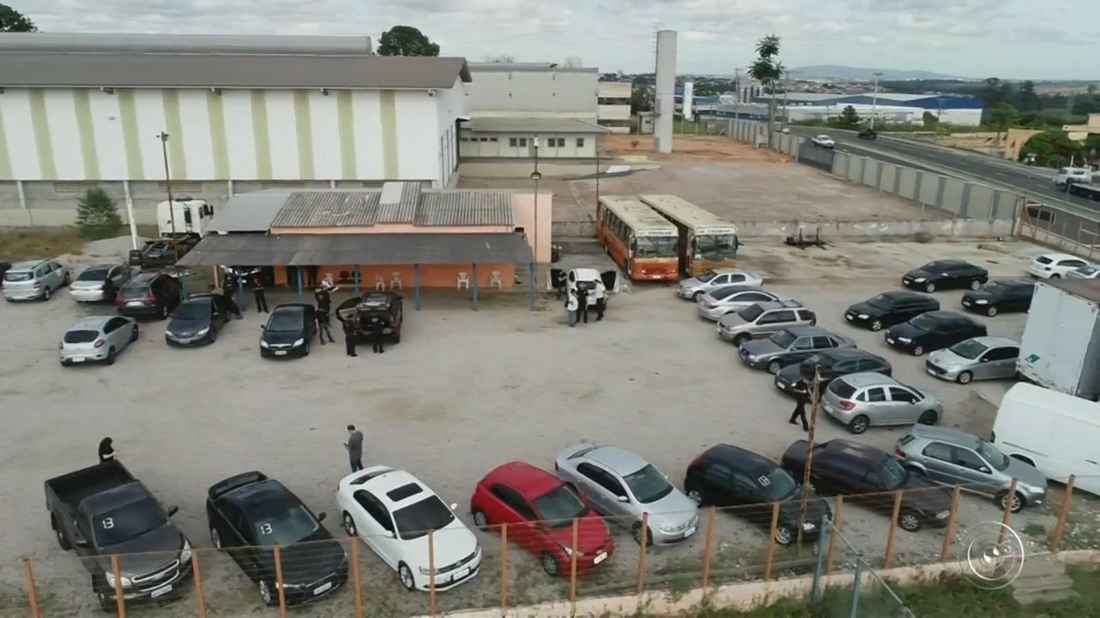 Preso por contrabandear cigarro entrava em leilão para recuperar veículos apreendidos: 'Ousadia', diz delegado
