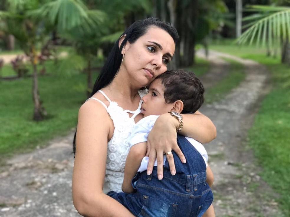 Madrinha chegou a levar Nicolas até o Paraguai para o tratamento (Foto: Reprodução/Facebook)