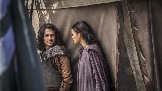 Afonso e Catarina tentam escapar das garras de Constantino