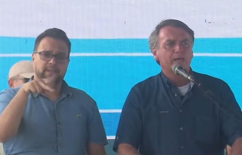 Sem dizer de onde tirará os recursos, Bolsonaro promete ajuda a 750 mil caminhoneiros autônomos para compensar aumento do diesel