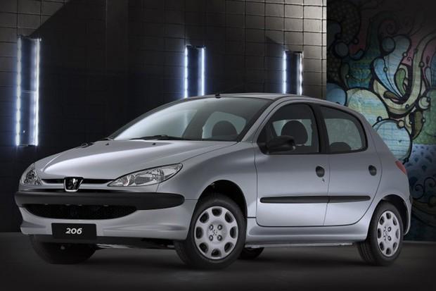 Peugeot 206 pode ser encontrado até na versão 1.4 (Foto: Divulgação)