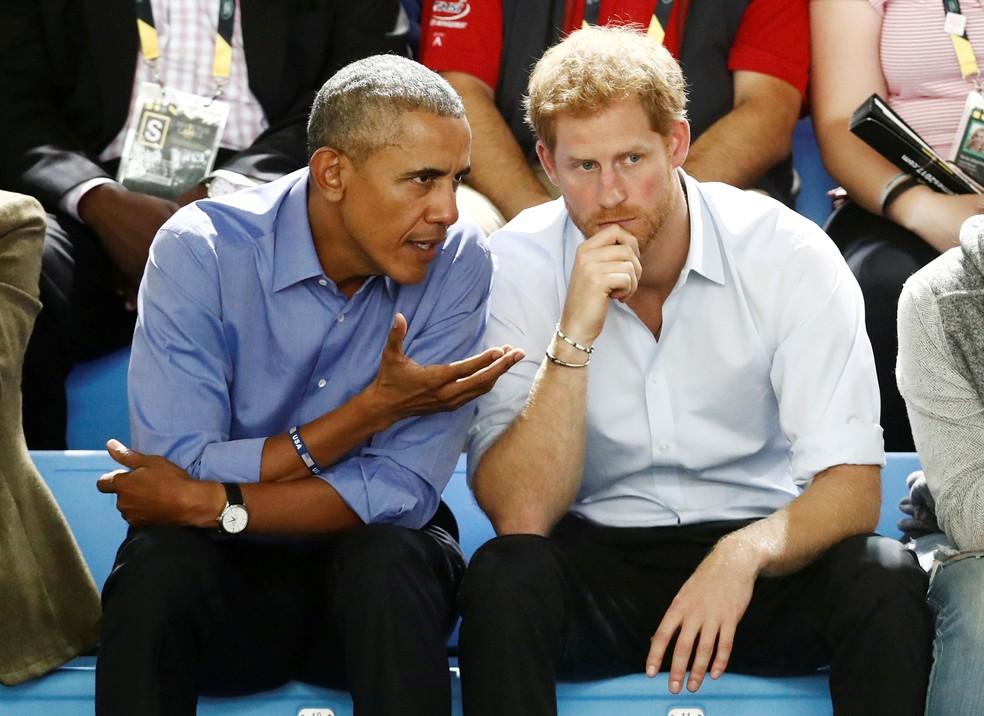 Príncipe Harry e ex-presidente Americano Barack Obama se encontraram durante jogos Invictus, em Toronto, no Canadá, em 29 de setembro  (Foto: Mark Blinch/ Reuters)