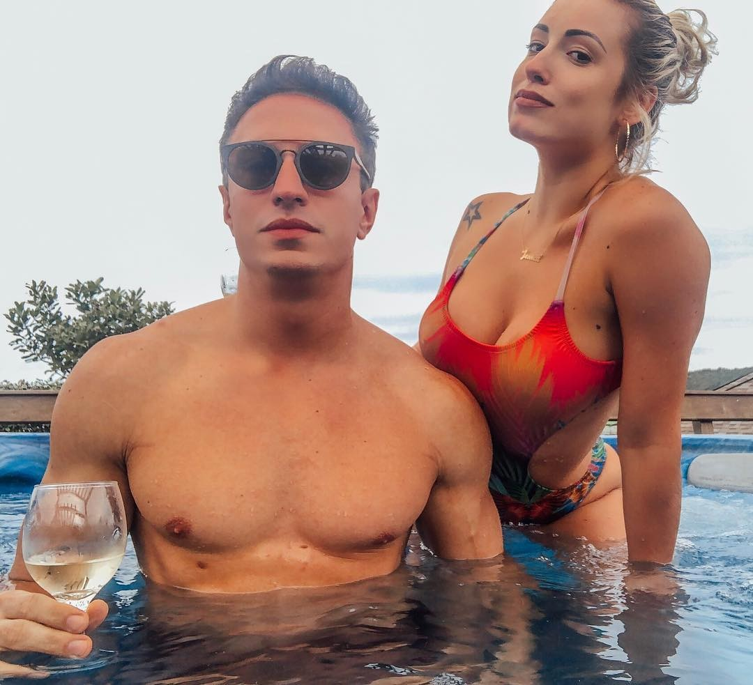 Jessica Mueller e namorado (Foto: Reprodução Instagram)