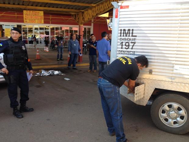 Crime ocorreu na tarde desta terça-feira durante uma tentativa de assalto (Foto: Matheus Henrique/G1)