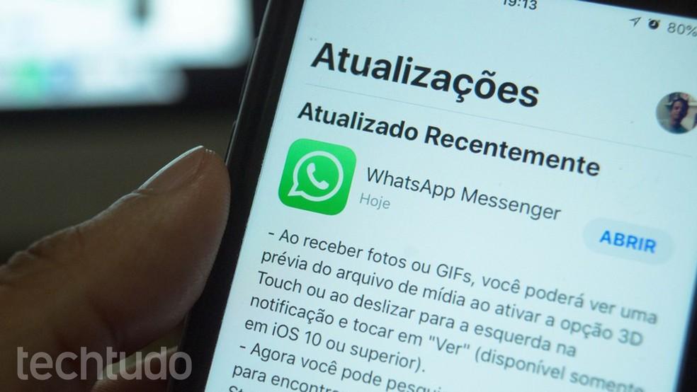 WhatsApp recomenda atualizar o app para corrigir falha na segurança  — Foto: Marvin Costa/TechTudo