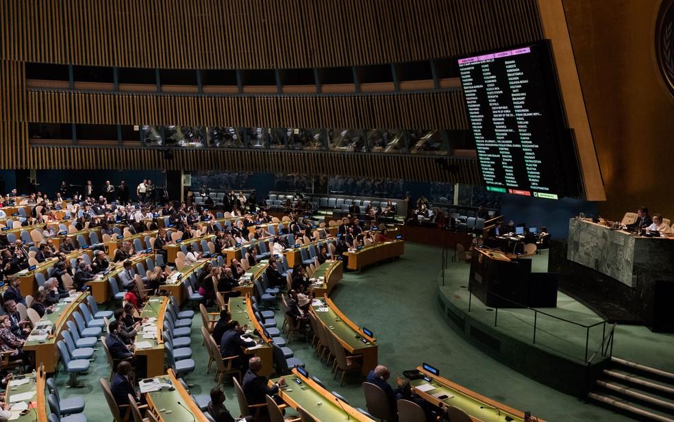 -  Delegados votam em Assembleia Geral da ONU que condenou ações de Israel em Gaza, na quarta-feira  13 , em Nova York  Foto: Don Emmert/AFP