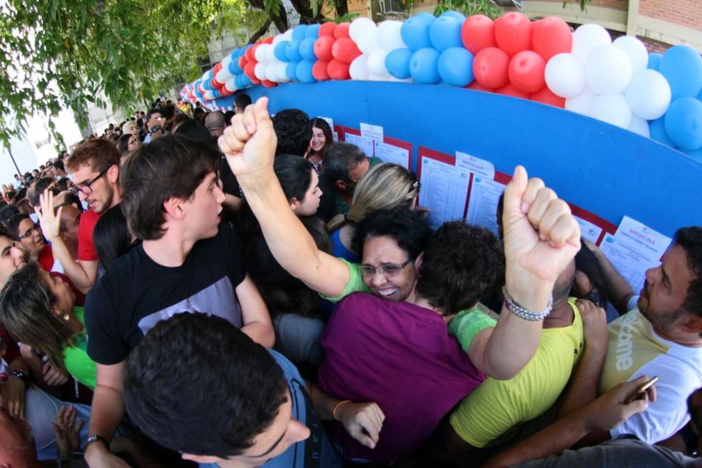 Candidatos de baixa renda aprovados no SSA têm direito a concorrer bolsas ofertadas pelo PE no Campus (Foto: Marlon Costa/Pernambuco Press)