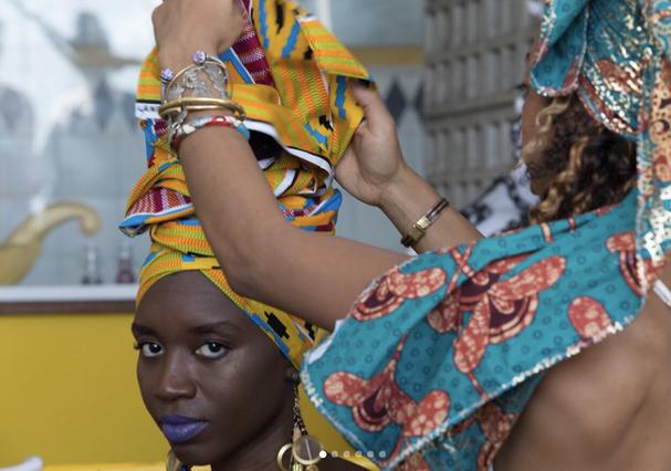 À esquerda, Loo Nascimento, da Dresscoração, e Thaís Muniz, da Turbante-se. Conheça os seus trabalhos abaixo (Foto: Reprodução Instagram)