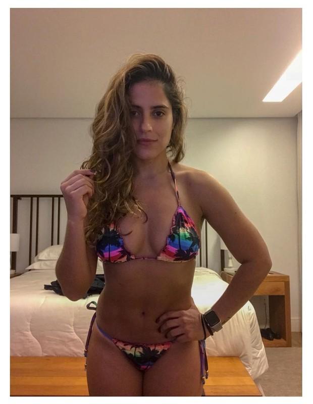 Camilla Camargo desabafa sobre pressões de beleza (Foto: Reprodução/Instagram)