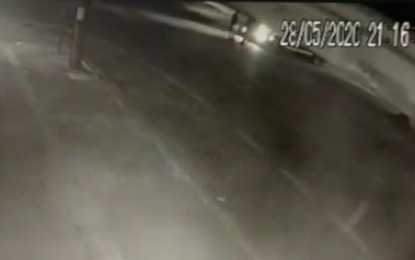 Vídeo mostra momento que homem é atropelado por caminhão e morre no Jardim Guanabara, em Goiânia