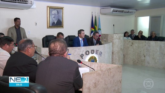 Prefeito afastado de Camaragibe tem mandato cassado após aprovação de impeachment